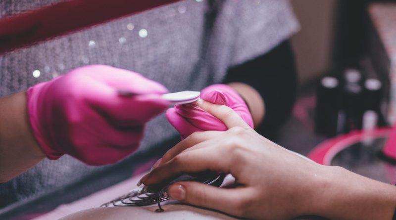 Come rendere più forti le unghie