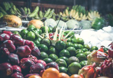 Frutta mangiarla con o senza buccia?