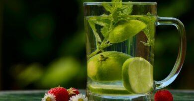 Acqua limone e bicarbonato