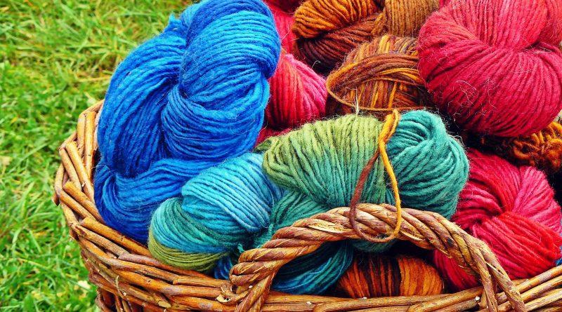 lavorare a maglia